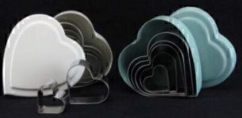 Set of 5 heart shaped cookie cutters in Cream or Vintage Blue Heart tin box by Gisela Graham. If preference please specify Cream or Vintage Blue when ordering Size 10x10x3.3. Cutters sizes 8.5 - 7.5 - 7 - 5 - and 3.5cm