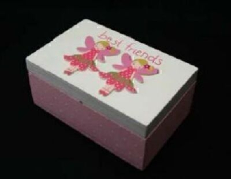Part of the Gisela Graham Best Friend Range. Fairy wooden keepsake box. A really lovely gift for a girl to give to her friend. Size 14x9x6cm
