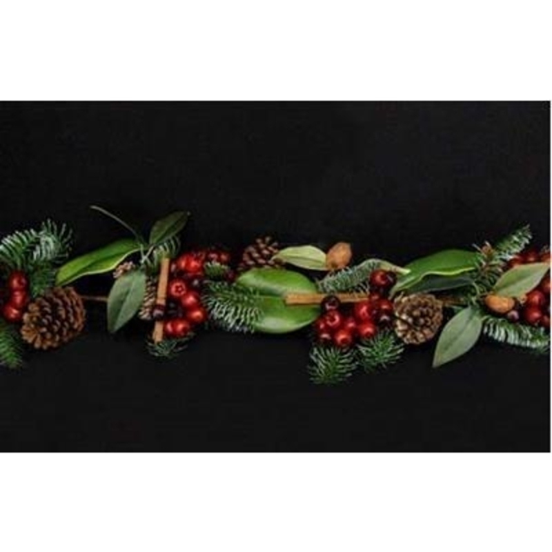 Fir Garland with Pinecone and Berries by Gisela Graham: Booker Gifts