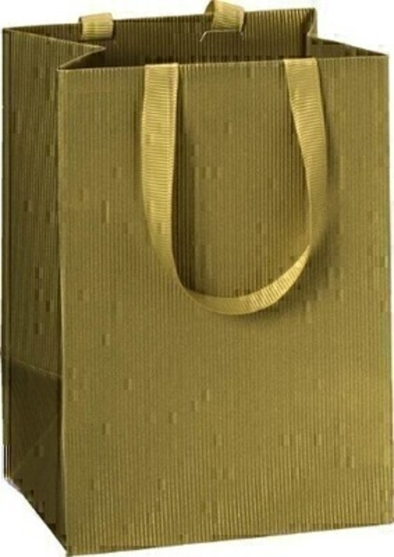 Gold gift bag ideal for using at Christmas to give someone a hard to wrap present.  Comes in a solid gold colour with gold ribbon handles.  Approx size 10 x 8 x 14cm