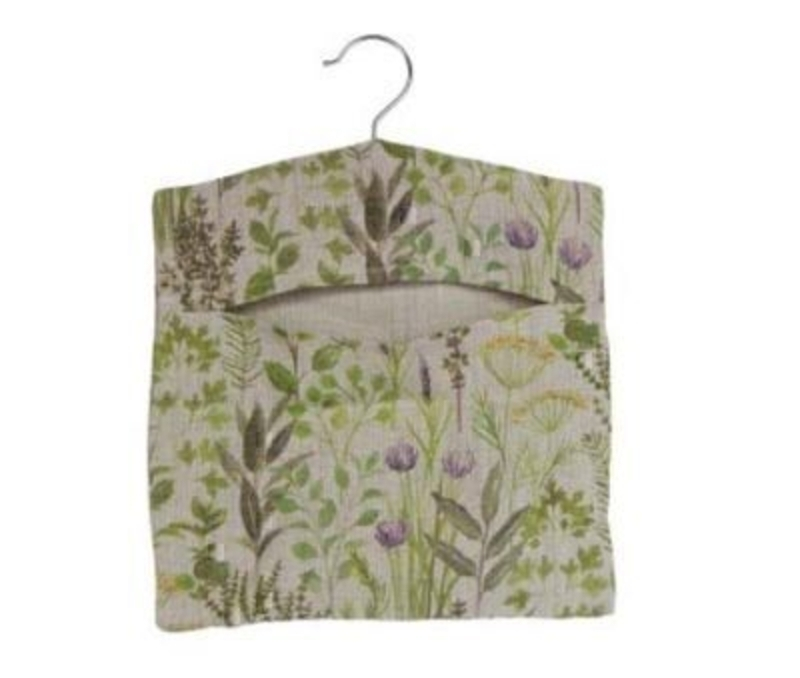 Herb Design Fabric Peg Bag by designer Gisela Graham matches our other products in the same range - the tea cosy and double oven glove and apron. This would be the perfect gift for anyone who likes gardening or a gift for someone who enjoys plants. Size: (LxWxD) 29x37x2cm