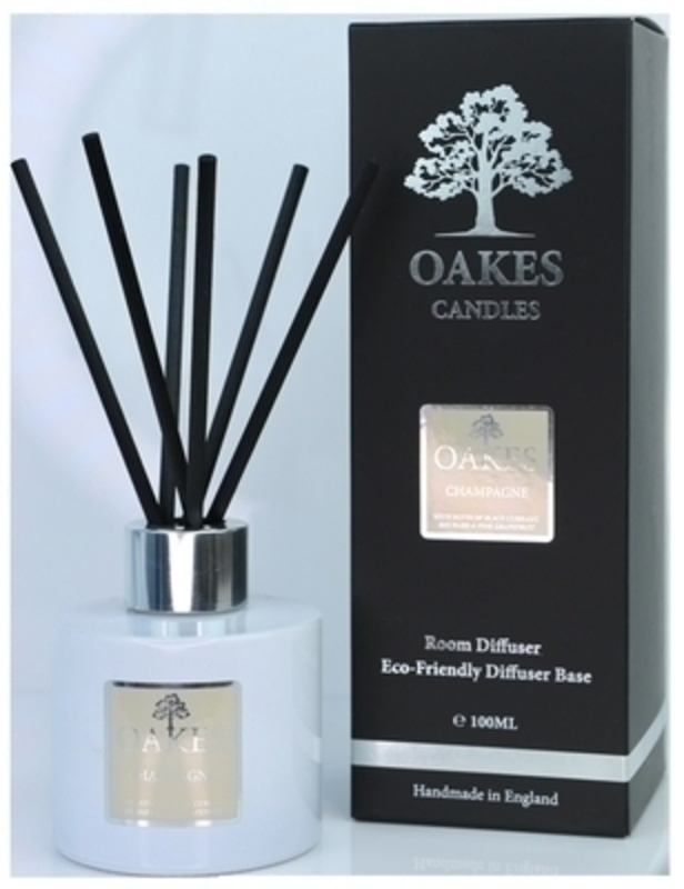 Oakes Vegan friendly artisan luxury diffuser for your home in Champagne. Made locally in Liverpool.  The diffuser liquid is housed in simple cylindrical white glassware with a silver screw on cap. The 100ml Diffuser is elegantly finished with a metallic silver label. Each diffuser has black natural fibre reeds designed to give you the maximun throw of fragrance from your diffuser. Finally this luxury Oakes Diffuser is elegantly packaged in a bespoke stylish foil Oakes Presentation Box.