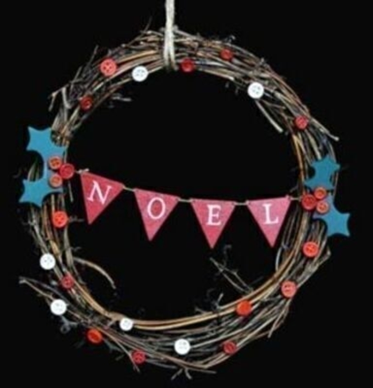 Twig Wreath the NOEL Christmas Decoration by Gisela Graham. Twig Christmas wreath with 'Noel' wooden bunting across the middle - and button and holly leaf detail. This wreath is minimal and quirky and sure to be loved by all who see it. Size 24x24x3cm<br><br>