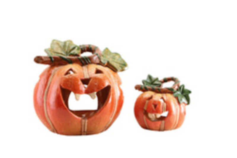 <p>Beautiful Halloween Decorations and Gifts from Booker Flowers and Gifts, who are a florist and gift shop based on Booker Avenue, Mossley Hill, South Liverpool L18 4QY.</p>