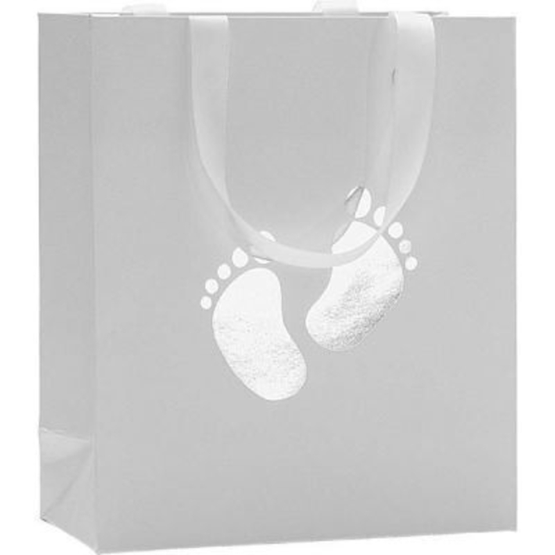 A simple but stunning design of tiny baby footprints in silver foil embossed onto pearl white paper with matching ribbon handle. Made by Swiss designer Stewo this bag has all the quality and detailing you would associate with this brand. Size 18x21x8cm