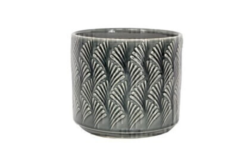 <p>Charcoal Grey Ceramic Pot Cover with Fan design by the designer Gisela Graham who designs really beautiful gifts for your garden and home. Suitable for an artifical or real plant. Great to show off your plants and would make an ideal gift for a gardener or someone who likes plants. Also comes available in other colours. Size (LxWxD) 15x17x17cm</p>