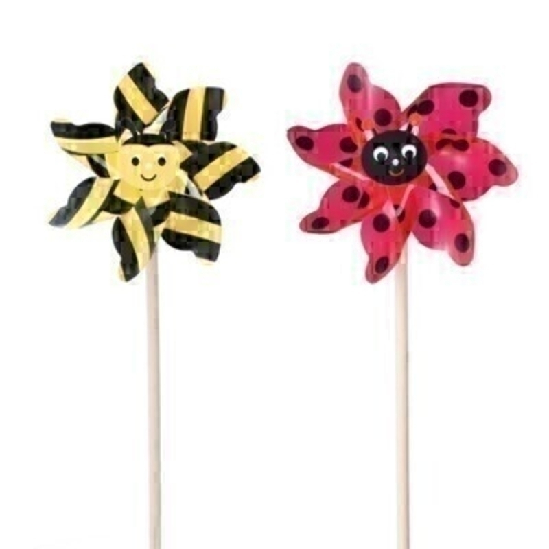 Choice of Bee or Ladybird windmills by Gisela Graham. If preference please specify yellow or red when ordering.
