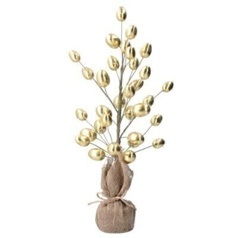 This lovely pre decorated twig tree is a stunning easter decoration. Gold shiny eggs and natural hessian base would makes a statement in any room at Easter time. Size: 60cm x 12cm approx (Branches can be manipulated) By the designer Gisela Graham who designs unique Easter decorations.