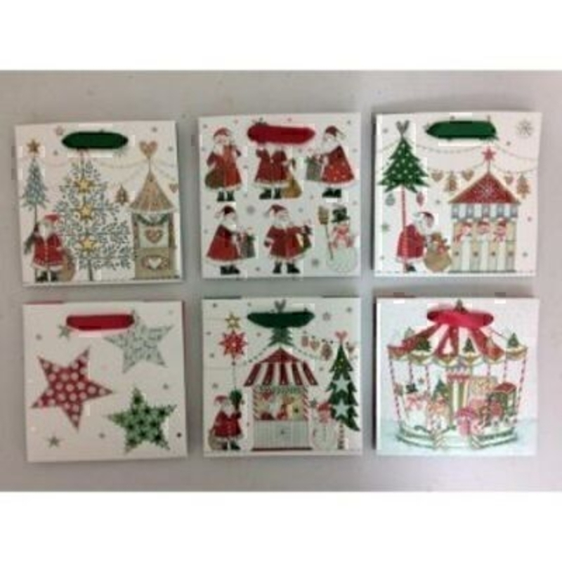 Mini Christmas gift bags Flurin by Swiss designer Stewo. Gorgeous little Christmas gift bags in various designs. It has all the quality and detailing you would expect from Stewo. This gift bag is made from paper with hot foil stamping and finished with gr