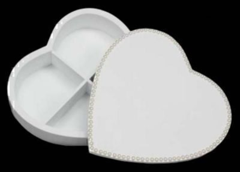 Pearl Edged White Wood Heart Box By Gisela Graham: Booker Gifts