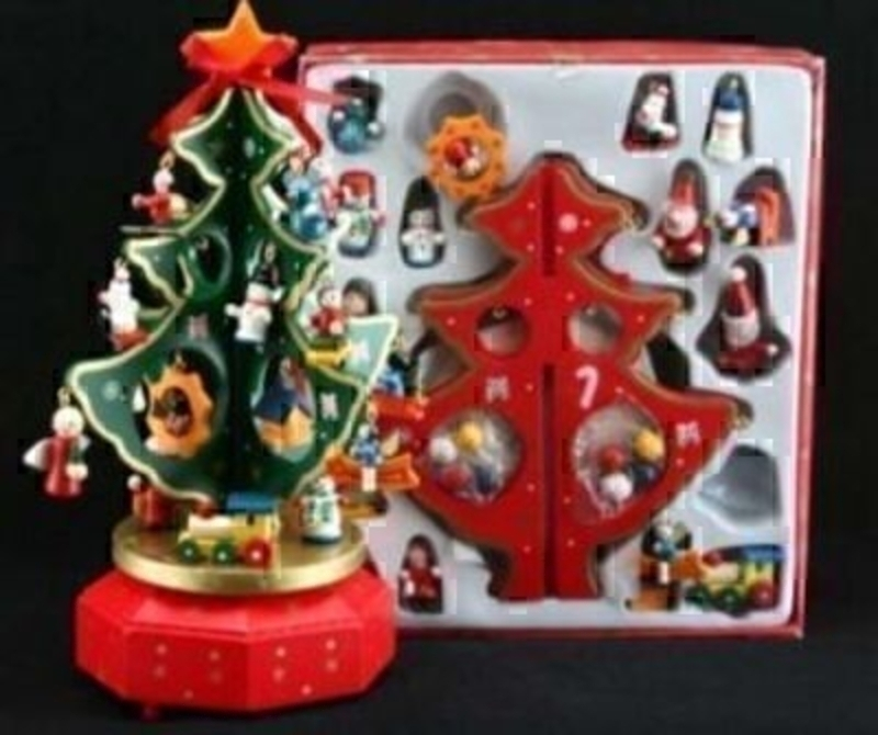 Small Wooden Christmas Tree Music Box With Decorations Gisela Graham: Booker Gifts