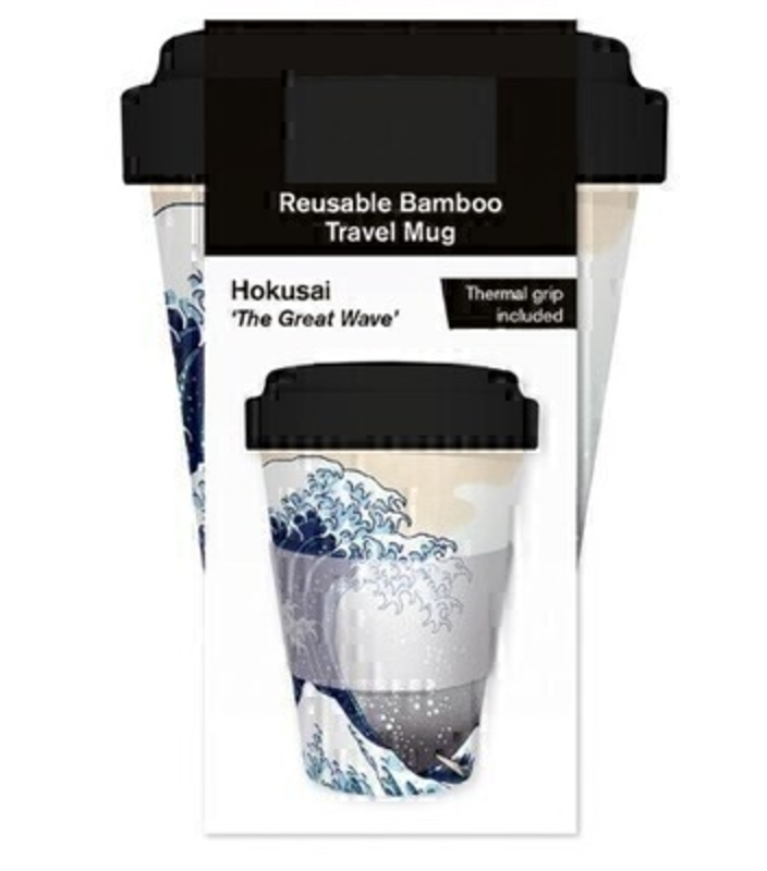Have your morning coffee/tea in style with this high-quality illustrated reusable bamboo travel mug. Featuring Hokusai The Great Wave. Bamboo composit mug with screw top comes with thermal grip included. Dishawash safe. FDA approved. Food safe. Biodegradable. Size: 137mm x 95mm. Volume approx. 16oz / 450ml