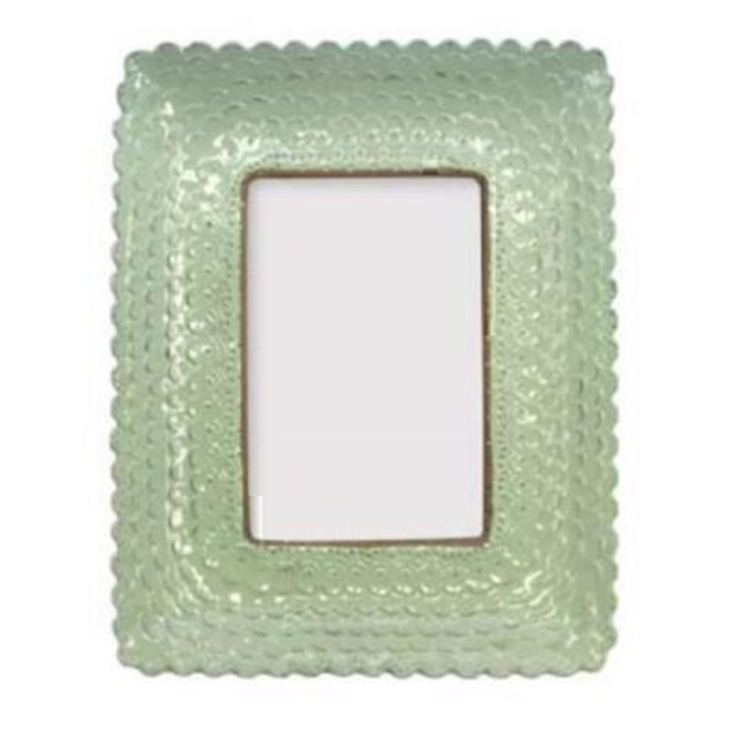 Pale green vintage chic style scalloped picture frame by Gisela Graham. Make the most of your photos by displaying them in this beautiful duck egg frame. Size 24.5x20cm