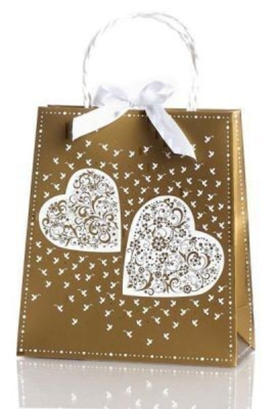 Seline Wedding Gift Bag By Stewo Gold with White Print of Heats and Doves. This quality gift bag by Swiss designers Stewo will not disappoint. It has all the quality and detailing you would expect from Stewo. This gift bag is made from thick card. Rop