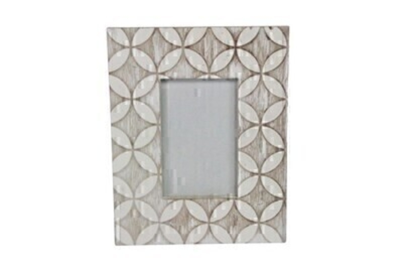 Wooden white wash leaf picture frame by Gisela Graham.  This white wash photo frame is a lovely shabby chic decorative item for any home.  Shabby Chic gifts for home - birthday - thinking of you or just because.